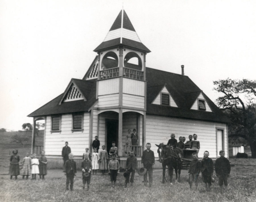 Kristin Holt   Education in the Old West. Photo: Timber School of Newbury Park, California, 1890s. Image: Public Domain, courtesy of Wikipedia.