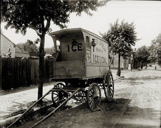 Fred Lutz, Jr. Ice Wagon. Fred Lutz, Jr., Dealer in Ice and Coal, 8417 Pennsylvania Avenue. Photograph by unknown, ca. 1909 Missouri History Museum Archives. Swekosky-MHS Collection n37764