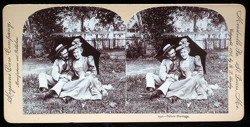 Stereograph, as displayed on East Lake Victorian (Blogspot).