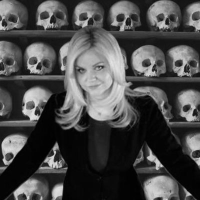 Kristin Holt | BOOK REVIEW: The Butchering Art by Lindsey Fitzharris. Press photo of Dr. Lindsey Fitzharris, PhD, author of The Butchering Art. Image courtesy of Dr. Fitzharris's Twitter account.
