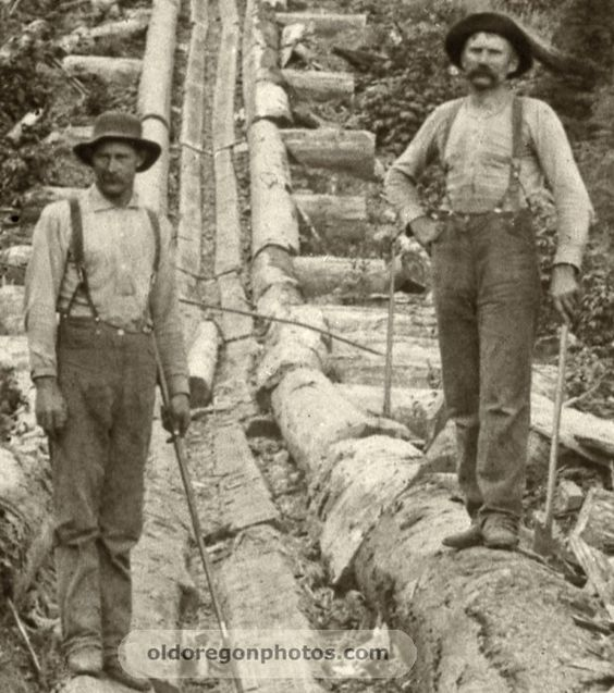 Kristin Holt | The Victorian Man's Suit of Clothes. Photograph of laborers working without vests or coats. Image coutesy of Pinterest.