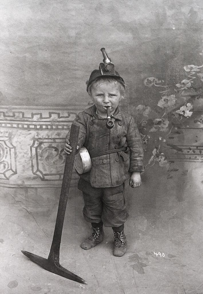Kristin Holt | Common Details of Western Historical Romance that are Historically INCORRECT, Part 3. Photograph labeled as an eight year old coal miner. Image courtesy of Imagur.
