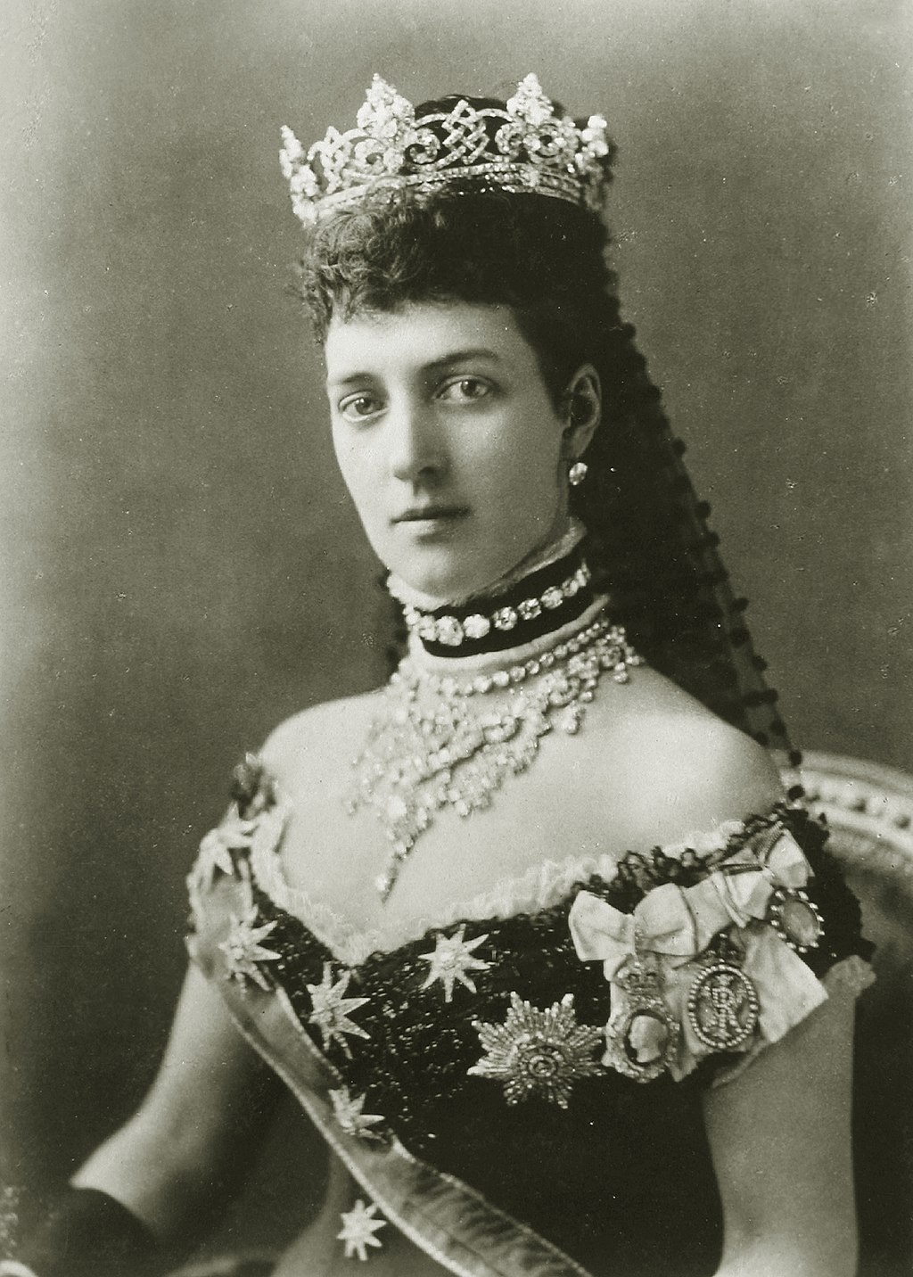 Kristin Holt | Victorian-era Hair Care. Photograph of Alexandra of Denmark, Princess of Wales, later Queen consort of the United Kingdom. Image: Wikimedia, Public Domain.